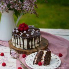 ORECHOVÁ TORTA S MALINOVOU GANACHE POLEVOU (bez múky)