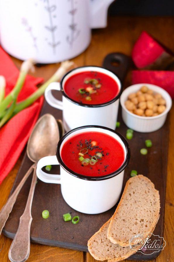 Cviklovo cícerová polievka
