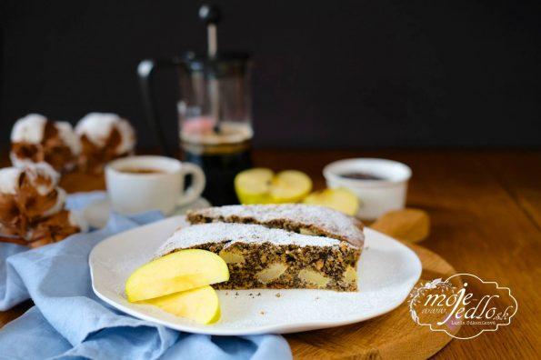 Raňajkový makový koláč s jablkami